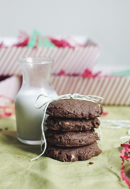 Flourless Chocolate Hazelnut Cookies & The Great Food Blogger Cookie Swap!