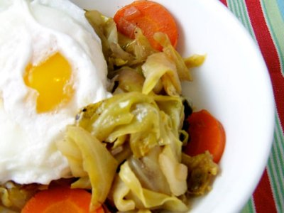 Stove-Top Braised Cabbage with Egg