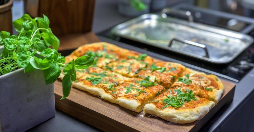 pizza aus der teppanyaki pfanne