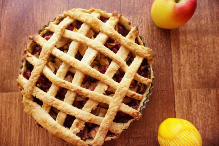 A basic pie crust - Short crust pastry science - Food Crumbles - The ...