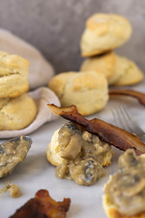 biscuits with gravy and bacon