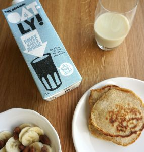 Oatly pancakes with Oatly milk
