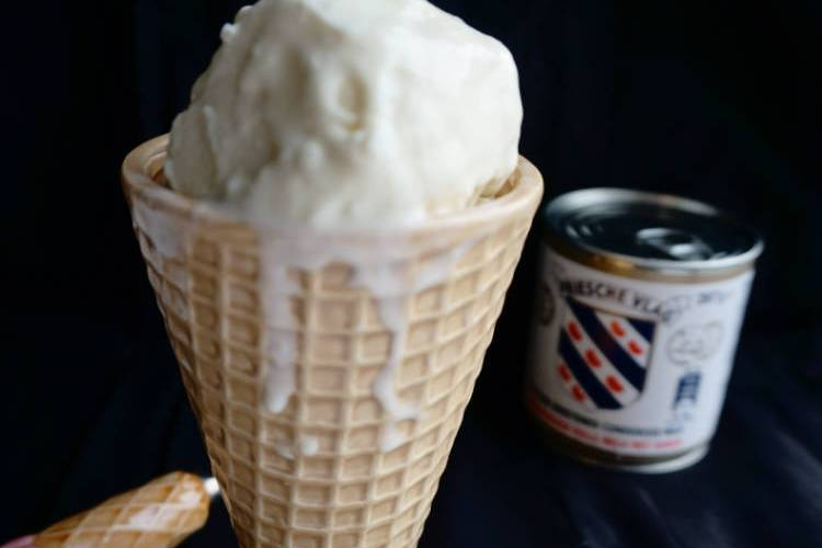 How To Make 2 Ingredient Ice Cream Using Whipped Cream Food Crumbles