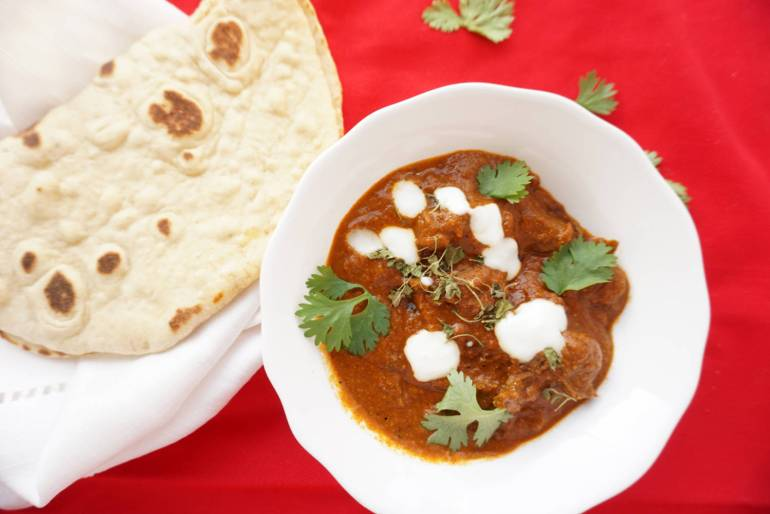 lamb rogan josh with naan from the Curry Guy