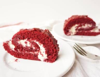 red velvet roll cake with cream cheese frosting