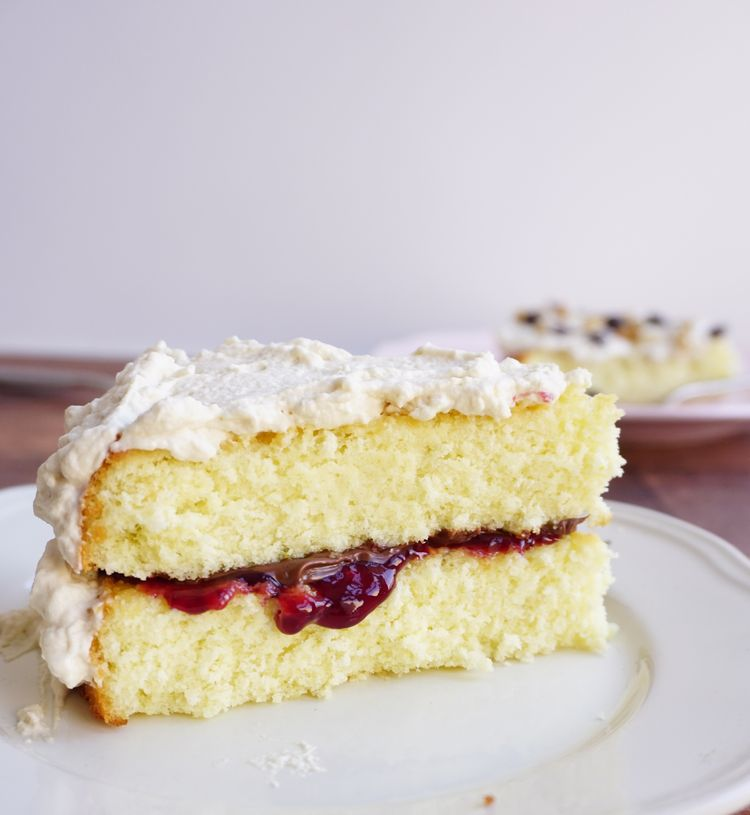 Genoise cake with two layers