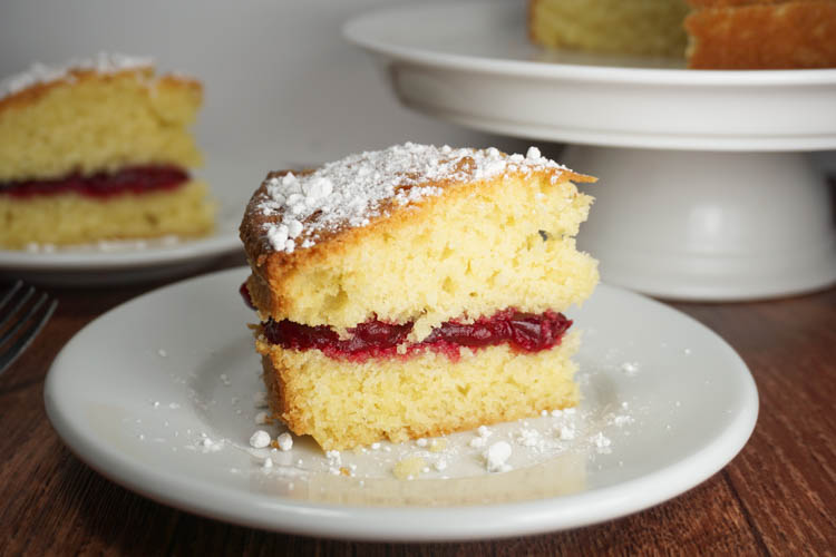 Victoria sandwich – History & science of a cake