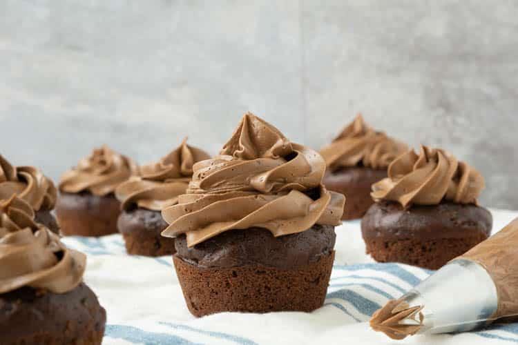 chocolate cupcakes with swiss chocolate meringue buttercream