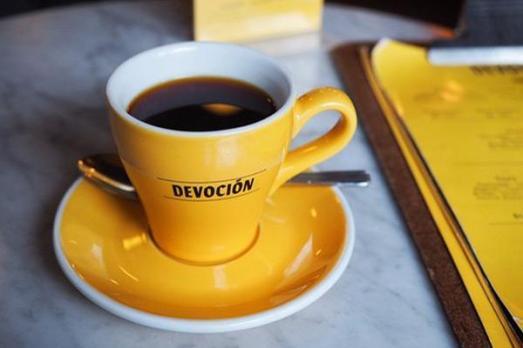 Devocion_Yellow-Cup