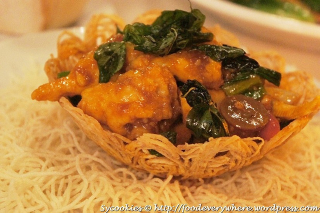 7.Takra Sawan – stir fried Chicken served in Crispy Yam Basket RM 18.90@goodevening bangkok (1)