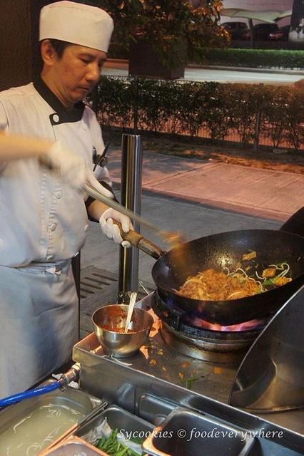 8.ramadan park royal 2015 buffet