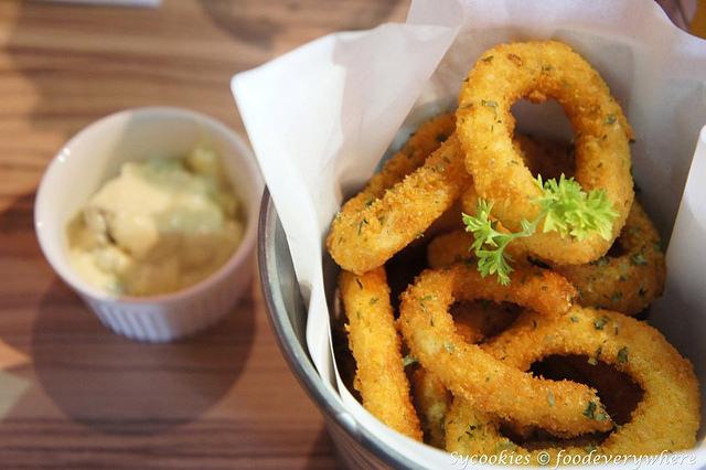 2.grind burger bar -fried onion rings rm9