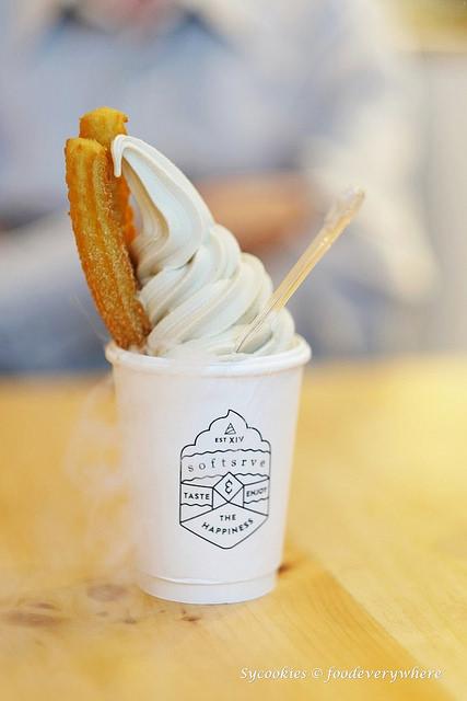 2.Softsrve Ice Cream & Dessert Bar @ Damansara Uptown