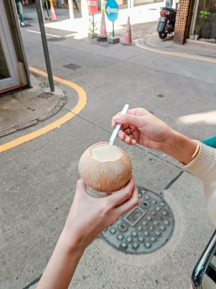 13.K.Dessert ,Tang Ge (糖阁)-Whole Coconut Pudding
