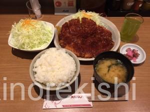 巨大グルメ東京駅名古屋名物矢場とんわらじとんかつ定食大盛り18