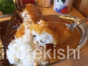 幡ヶ谷デカ盛りメガ盛りスパイスエッグ入りミックスカレー大盛りポークビーフチキン甘口中辛辛口美味しい2