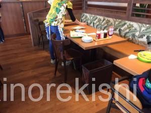 デカ盛りパンケーキEggs'n Thingsエッグスシングスラゾーナ川崎店有名人気行列ストロベリーホイップクリームコーヒー待ち時間20