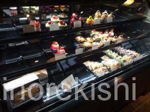 神谷町デカ盛り3206本店ボリューム満点サンドイッチデビルサンド人気有名カフェ朝食パンケーキ3