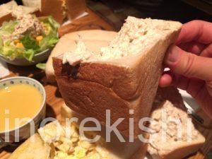 デカ盛りサンドイッチ東銀座アメリカンタマゴサンドランチ巨大人気有名朝食モーニングチキン築地2