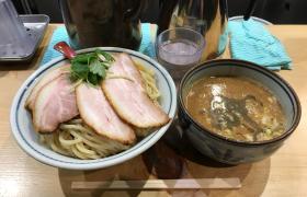 特盛つけ麺煮干麺新橋月と鼈すっぽん濃厚煮干し特製肉玉メニューデカ盛り進撃の歴史11