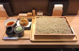 東京駅大盛りそば蕎麦きりみよた八重洲店かき揚げ板せいろ二枚盛りメニューデカ盛り進撃の歴史31
