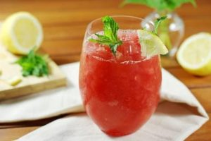 Watermelon-Strawberry Moscato Slushie Cocktail Recipe