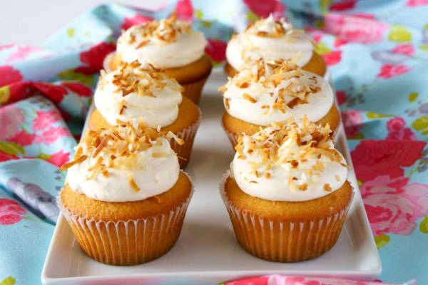Delicious Coconut Cream Cupcakes