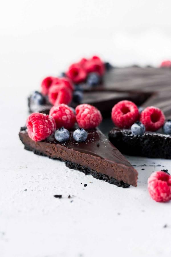 Easy Valentine's Day Dessert: Chocolate Truffle Tart