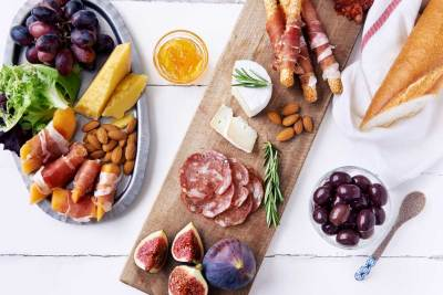 Overhead picture of Charcuterie Board Pairings