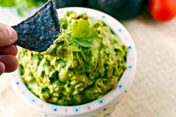 Scoop the guacamole into your favorite bowl and enjoy.