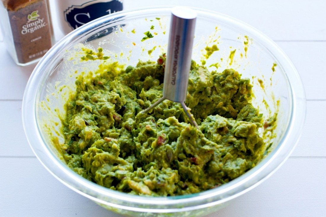 Smash the avocados and vegetables to your desired consistency!