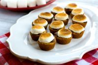 S'mores Cookie Bites – these tasty treats are easy to make and just as easy to pop in your mouth. Grab the kids, they'll love making them with you!