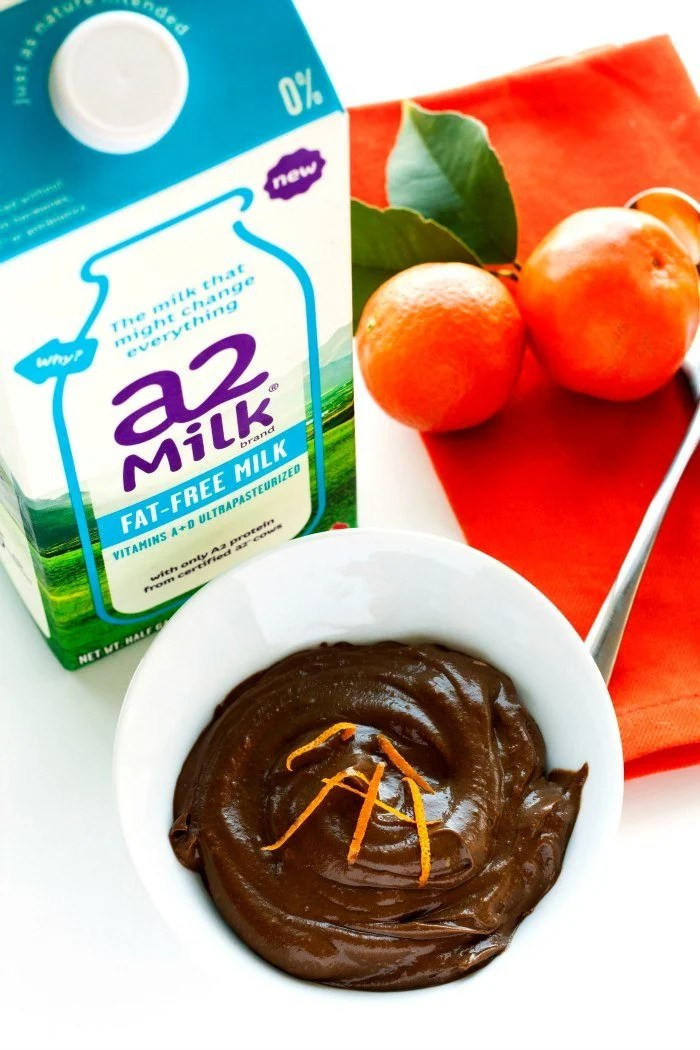This Chocolate Avocado Pudding recipe proves that healthy eating and dessert CAN go together!