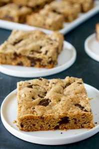 Peanut Butter Cookie Bars with dark chocolate chunks and loads of peanut butter flavor