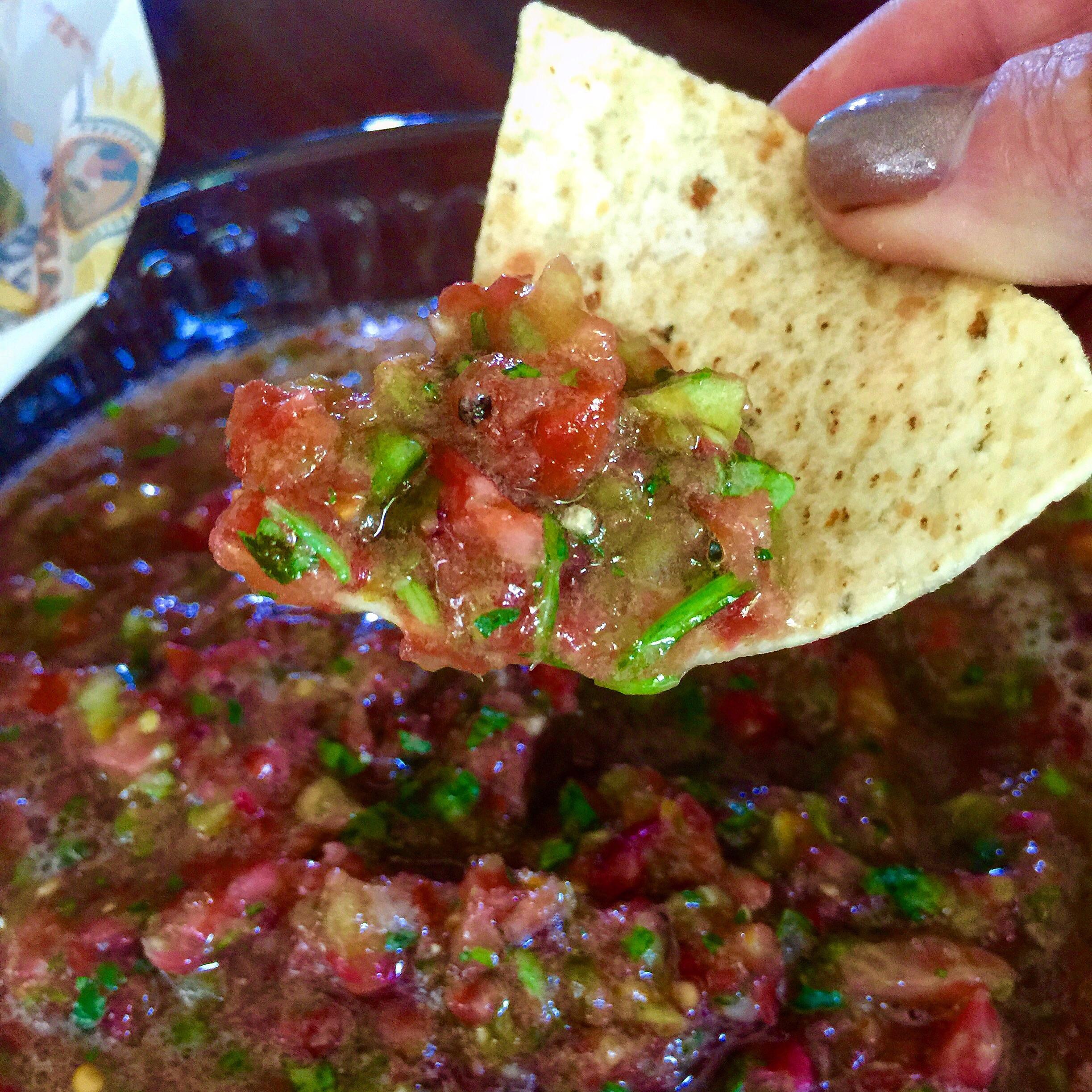 Heirloom Tomato Salsa ((straight from the garden!!))