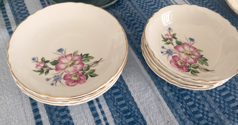 For Sale ((by Emily)) :: set of 8 country rose & cornflower berry bowls & dessert plates; $22