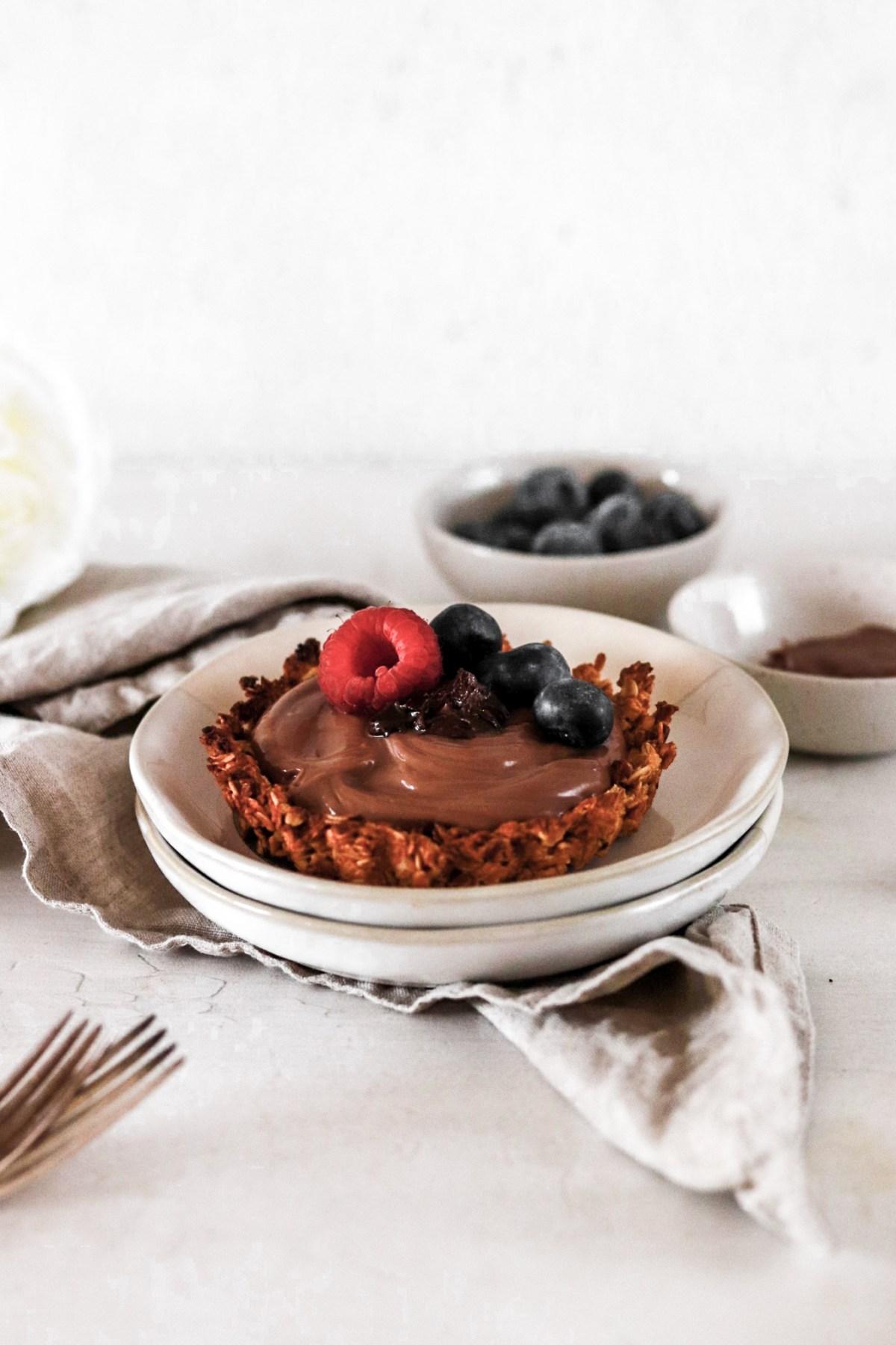 Granola Tartlet with Yogurt/Nutella Filling (Vegan, Gluten & Sugar Free) From Front