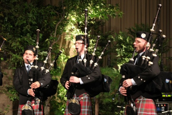 Bagpipe music at the Brave world premiere