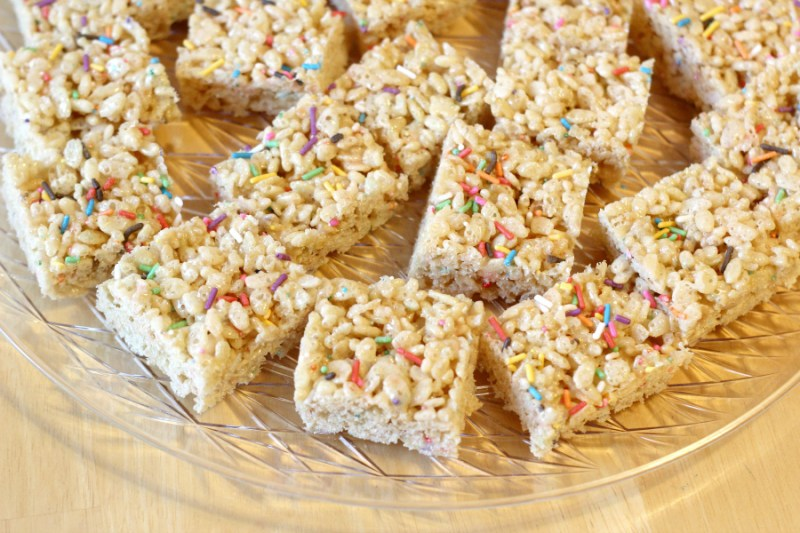 In Honor Of My Sons Birthday I Wanted To Share The Recipe For These Delectable Rice Krispie Treats That Made This Past Weekend Addition Dry Cake
