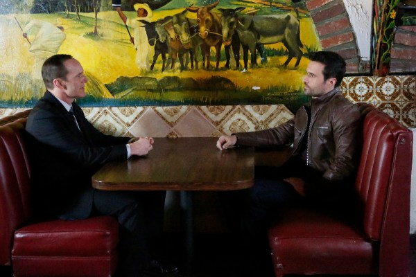 """CLARK GREGG, BRETT DALTON from """"The Frenemy of My Enemy"""" """"Marvel's Agents of S.H.I.E.L.D.,"""" TUESDAY, APRIL 21 on ABC (ABC/Kelsey McNeal)"""