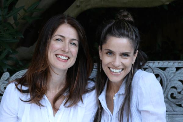 Amanda Peet and Amanda Troyer