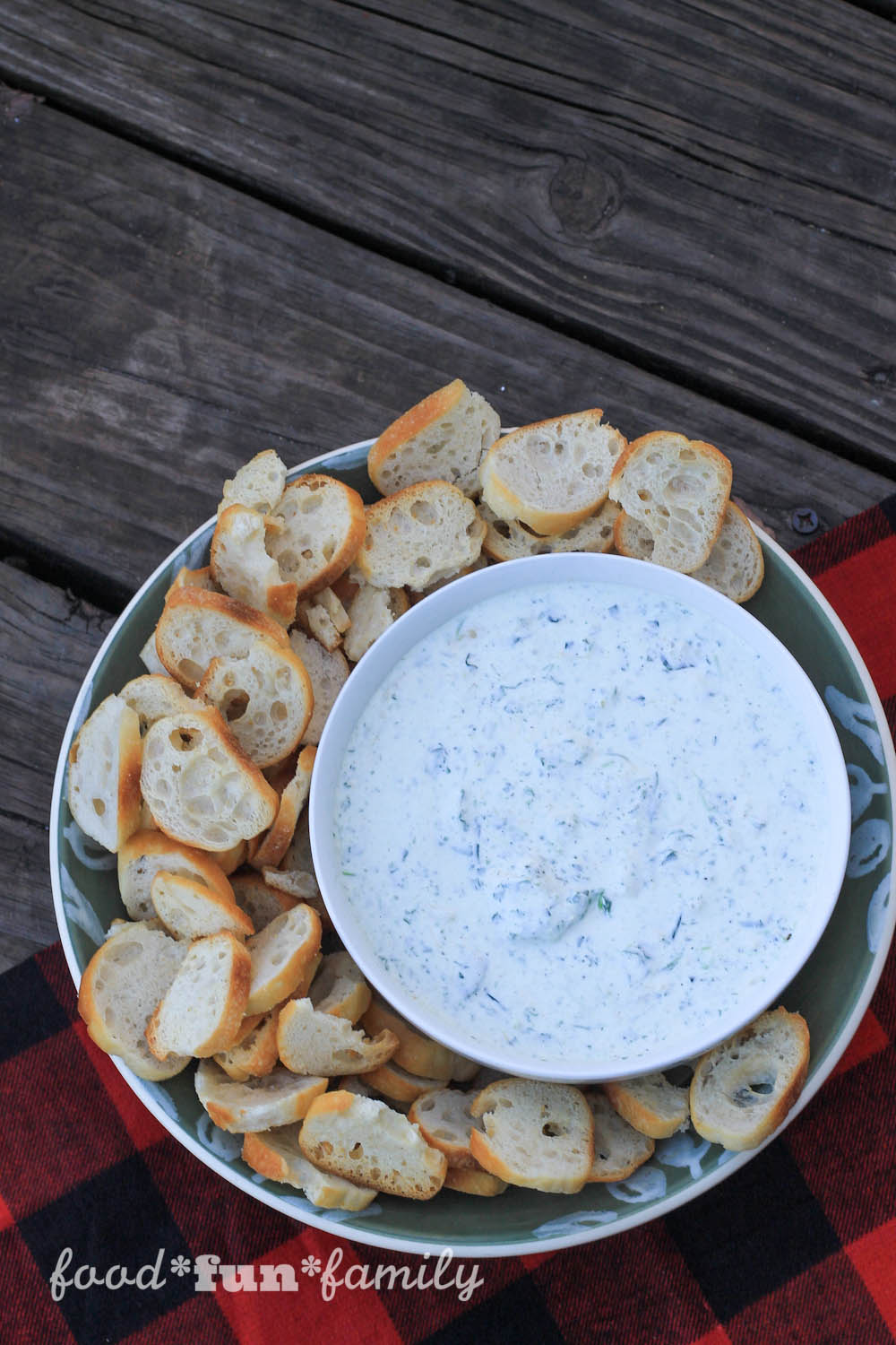 Spinach and Artichoke Dip from Food Fun Family - a perfect crowd-pleasing Game Day appetizer!