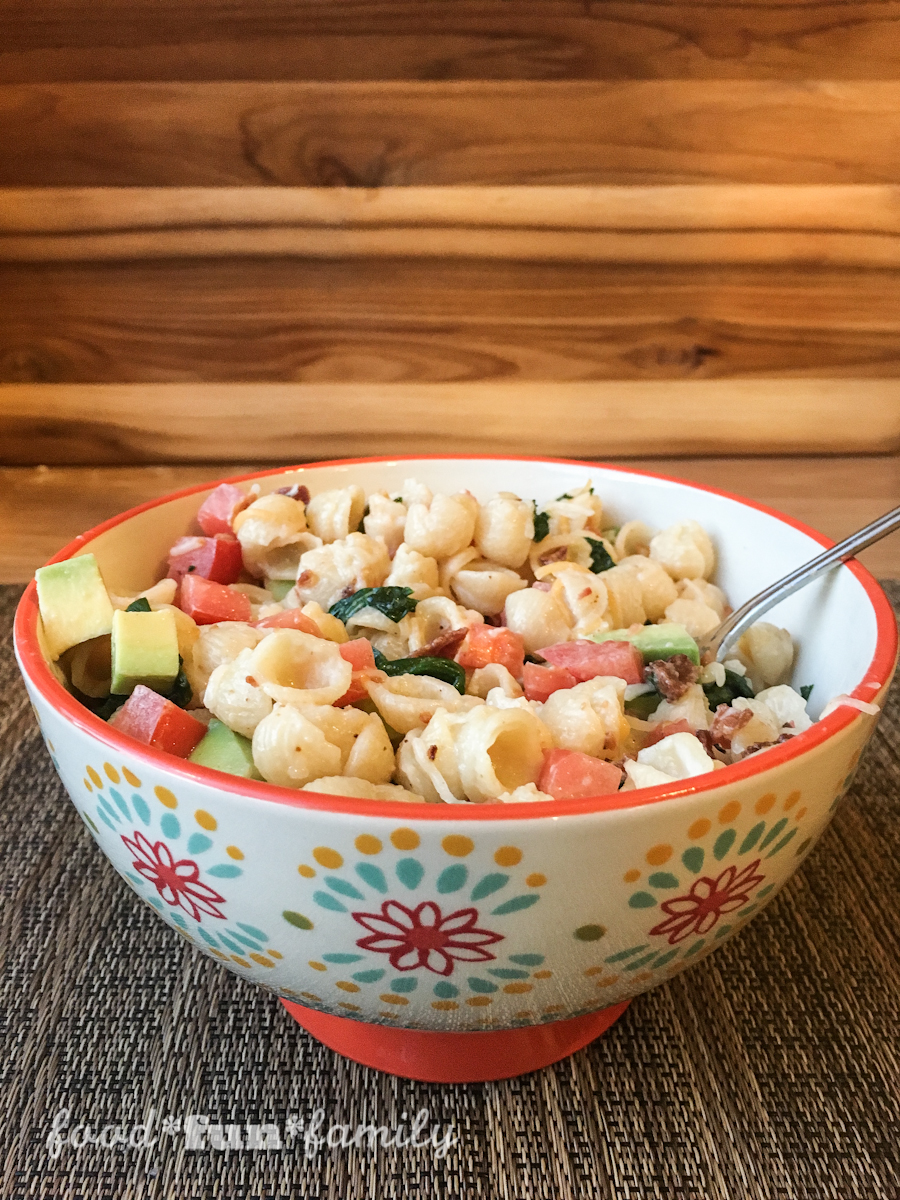 Avocado BLT Mac and Cheese with Annie's Shells and White Cheddar - a delicious, grown up version of your family favorite mac n cheese!