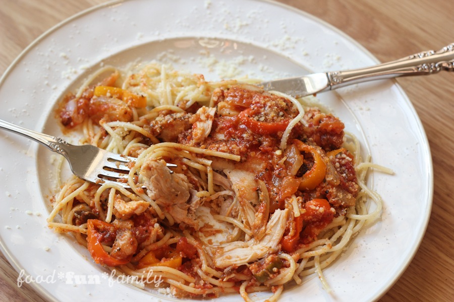 Easy chicken cacciatore recipe from Food Fun Family. One pot, a few simple ingredients. Family-friendly dinner!