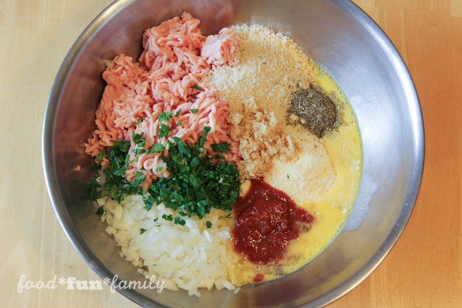 https://foodfunfamily.com/wp-content/uploads/2016/08/Chicken-Parmesan-Meatballs-11.jpg