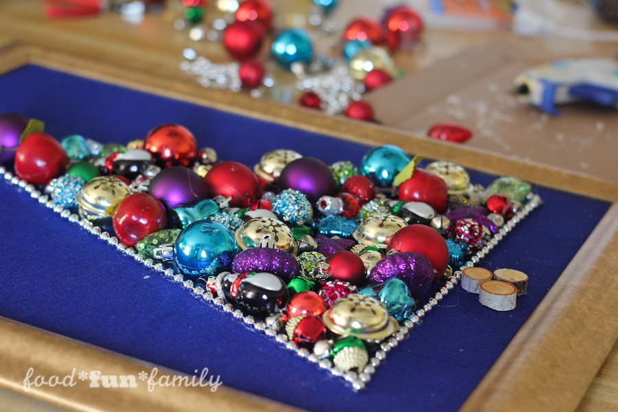 The Ornament Tree - an easy Christmas Craft Wall Hanging