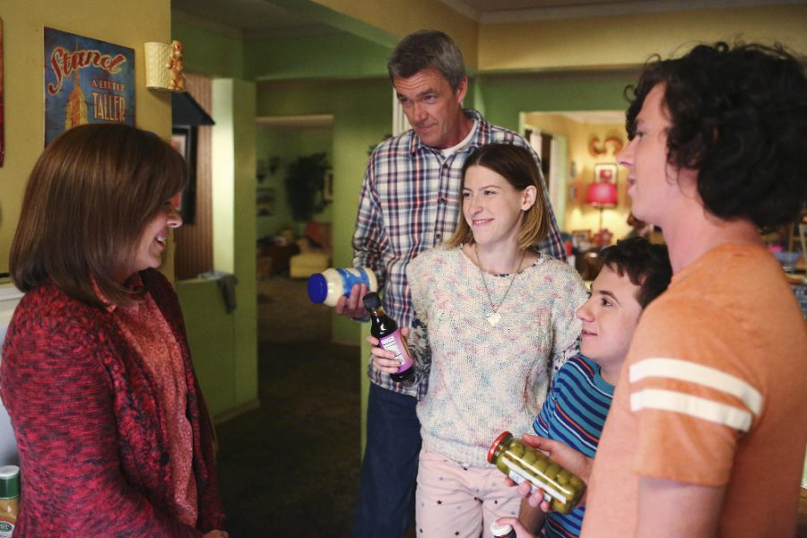 """THE MIDDLE - """"The Core Group"""" (ABC/Michael Ansell) PATRICIA HEATON, NEIL FLYNN, EDEN SHER, ATTICUS SHAFFER, CHARLIE MCDERMOTT"""