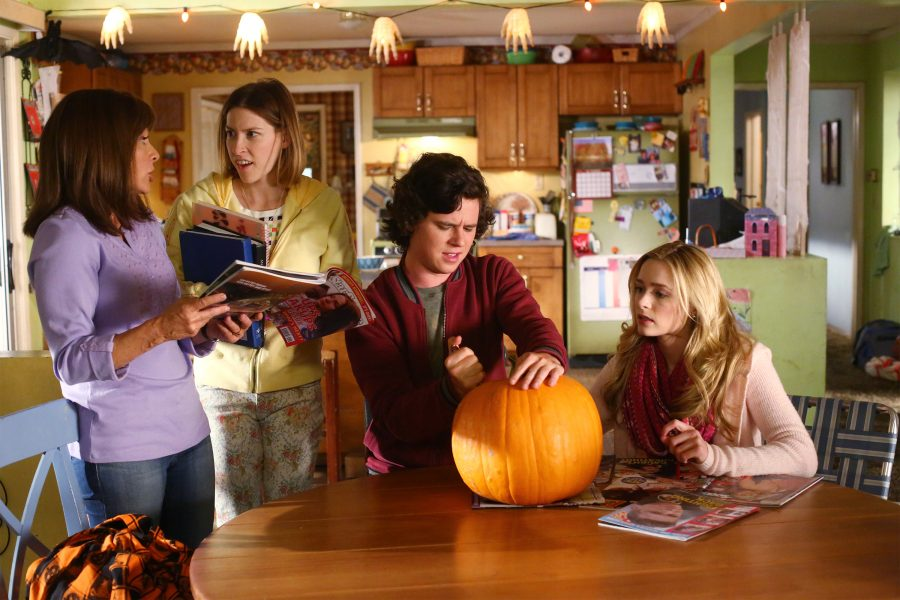 "THE MIDDLE - ""Halloween VII: The Heckoning"" (ABC/Michael Ansell) PATRICIA HEATON, EDEN SHER, CHARLIE MCDERMOTT, GREER GRAMMER"