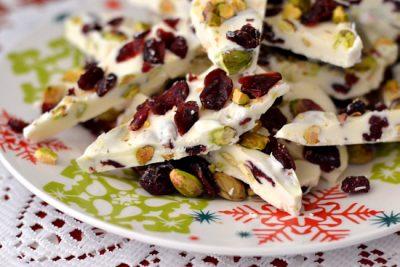 homemade-pistachio-cranberry-bark