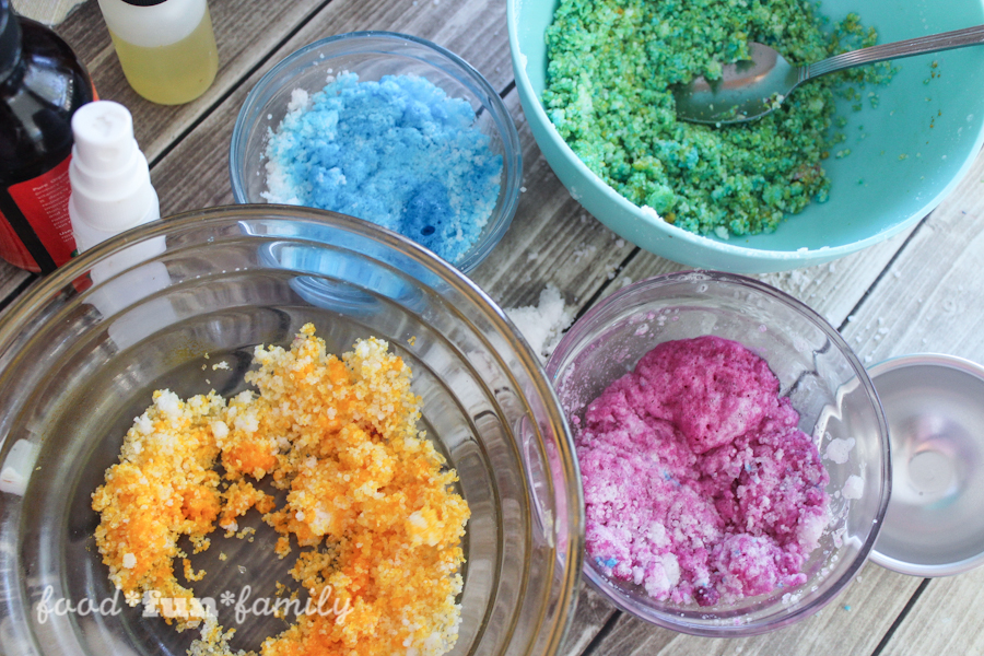 DIY rainbow bath bombs from Food Fun Family